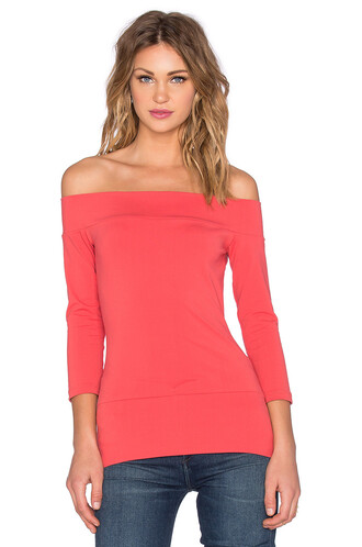 top off the shoulder red