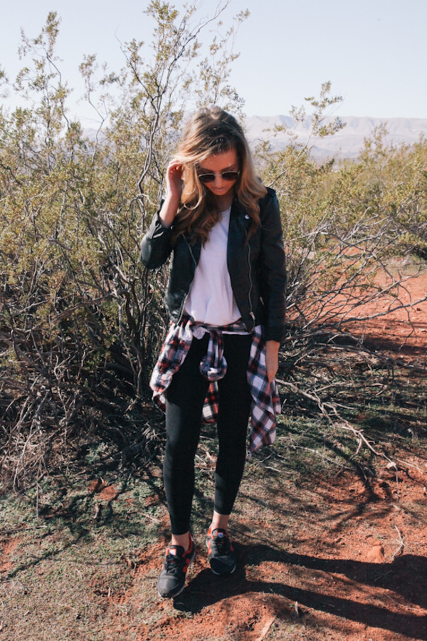 Shoes the day book blogger leggings t-shirt jacket sunglasses - Wheretoget