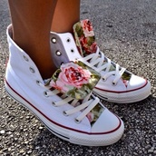 shoes,sneakers,platform sneakers,high top sneakers,converse,white sneakers,flowers,vintage flowers,summer,summer outfits,summer shoes,cute,white,rose,high top converse,floral,fashion,allstars,white shoes,converse white flowers floral green pink,high tops,white hightops,rose pattern,hightop,roses,floral shoes