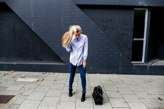 fanny staff blogger shirt jeans shoes jewels bag
