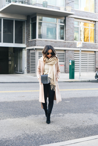 crystalin marie blogger coat sweater jeans shoes scarf bag nude coat black jeans crossbody bag boots winter outfits tumblr camel camel coat black bag black boots mid heel boots