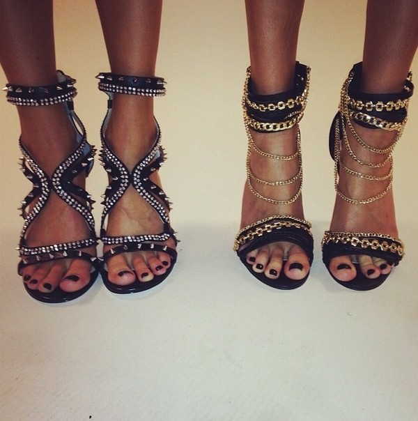 shoes heels black high high heels chain gold black chain heels
