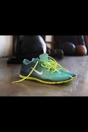shoes,nike running shoes,green nike