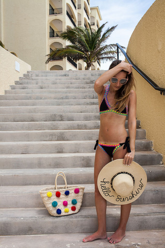 twenties girl style blogger swimwear top bag sunglasses hat bikini sun hat basket bag summer