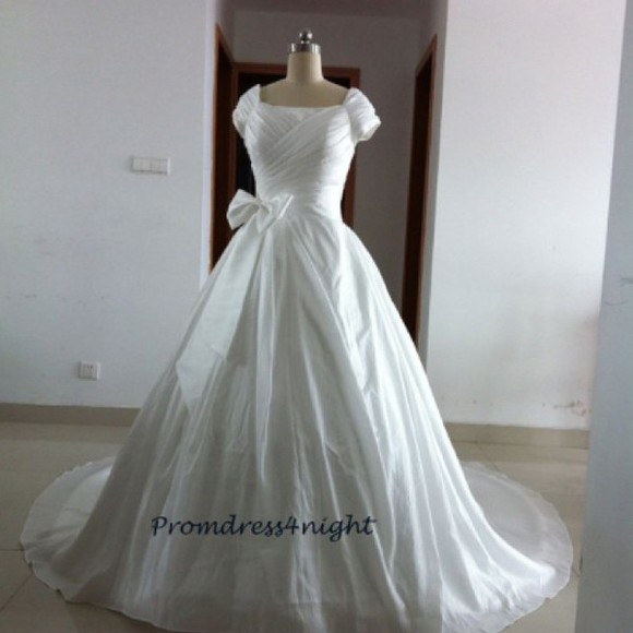 wedding dress ball gown bridal gown short sleeves square