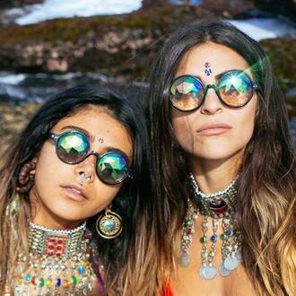 sunglasses chick hippie hippie girls gypsy gypsy girls tumblr 2015 trends summer spring beach shiny cool trendy sparkly boho pretty girls futuristic bohemian coachella weheartit colorful summer 2015 jewelry fashion pool green blue purple rhinestones sunny sunnies unique want them goddess concert jewels