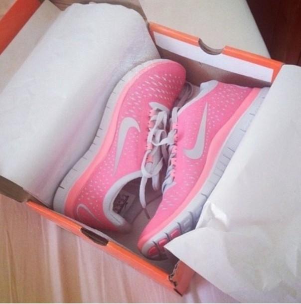 pink nikes on tumblr - photo #7