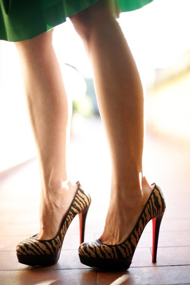 shoes christian louboutin red bottom heels