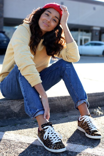 ring my bell blogger jeans sweater hat shoes