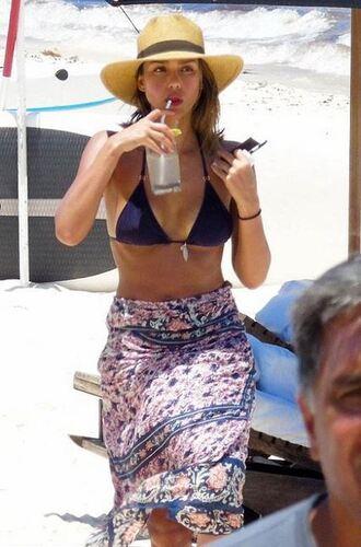 bikini top jessica alba beach