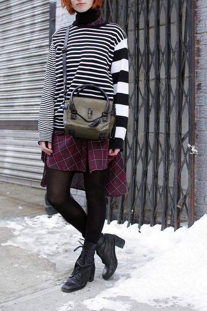 de lune blogger dress striped sweater tartan sweater shoes bag