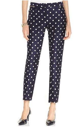 pants capri pants polka dots capri pants polka dots blue pants shoes black shoes