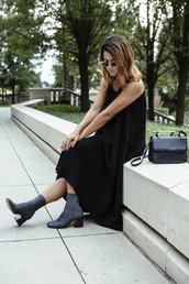 chicityfashion,blogger,dress,shoes,bag,sunglasses,jewels,black dress,black bag,ankle boots,printed boots,black midi dress,mid heel boots,thick heel,block heels,maxi knit dress,thick heel boots