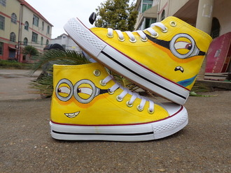 shoes minions yellow adorbz converse sunglasses