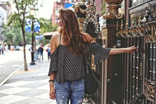color me nana blogger top jeans jewels bag