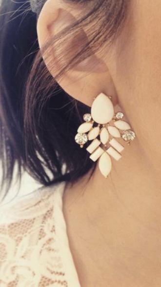 jewels beige white earing earings cute pretty jewlery