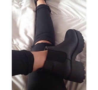 shoes boots ankle boots grunge black cute tumblr black booties chelsea