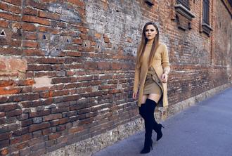 kayture blogger top skirt shoes
