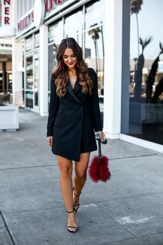 blogger carriebradshawlied dress jewels shoes bag sunglasses make-up blazer dress sandals furry pouch