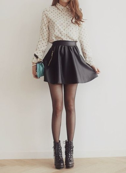 black skirt black skirt leather style black leather skirt leather skirt shirt boots black boots tights black skater skirt skater skirt blouse white blose purse shoes vintage fashon polka dots shirt sexy hot sweet outfit