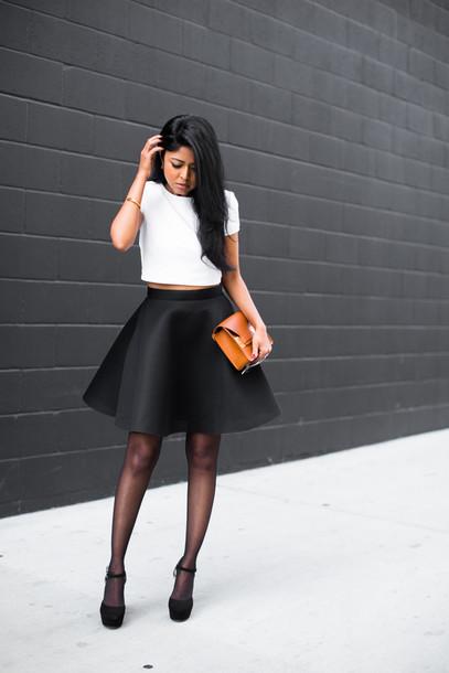 walk in wonderland blogger neoprene white t-shirt leather bag black skirt circle skirt top skirt shoes bag jewels sunglasses