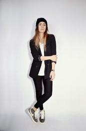 quality rivets,blogger,leggings,nike sneakers,blazer