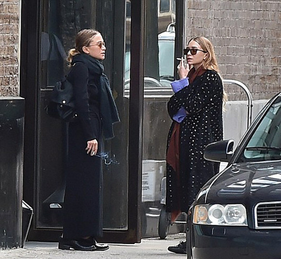mary kate olsen olsen sisters fall outfits ashley olsen coat