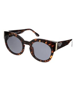 Cheap Monday | Cheap Monday – Breite Katzenaugen-Sonnenbrille in Dark Turtle bei ASOS