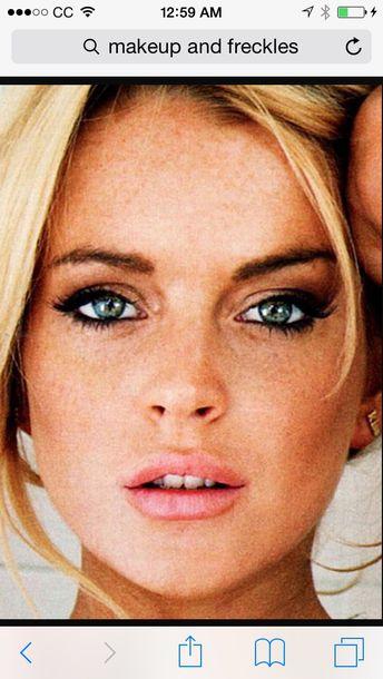 make-up fashion lindsay lohan mean girls beautiful hair accessory hairstyles hair/makeup inspo 90s style blonde hair hair bow makeup brushes tv/movies movies eye shadow lipstick mascara