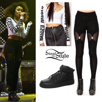 shirt crop tops long sleeves white black and white nike leggings cut-out black nike sneakers pants