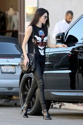 top,t-shirt,kendall jenner,pants,boots,shoes
