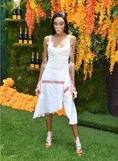 skirt,winnie harlow,model off-duty,asymmetrical,asymmetrical skirt,top,bustier