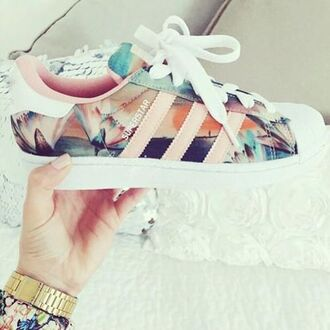 shorts adidas floral shoes flowered shoes sport shoes sportswear adidas superstars sneakers colorful cute white style fashion low top sneakers superstar flowers pink girls sneakers adidas shoes addias shoes pastel pink adidas superstars tumblr blue floral shoes custom shoes floral sneakers