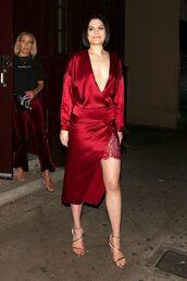 dress,jessie j,red dress,red,sandals,asymmetrical,plunge v neck,slit dress