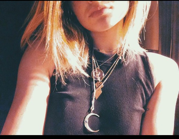 jewels necklace necklace moon kylie jenner jewelry