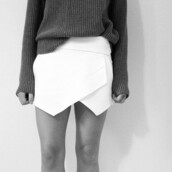 skirt,skorts,clothes,white skirt,triangle skirt,asymmetrical skirt,sweater