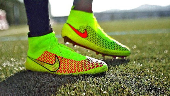nike yellow soccer cleats soccer magistas neon beutiful green
