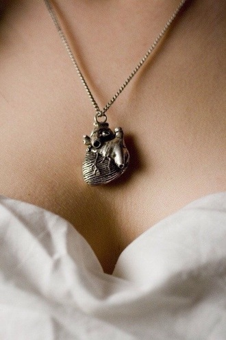 jewels heart necklace