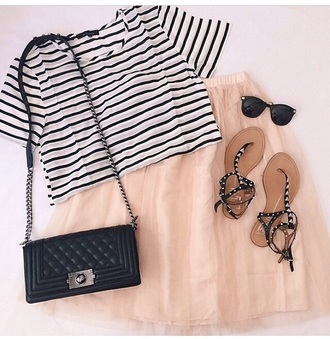 beige dress fashion stripes sunglasses bag t-shirt