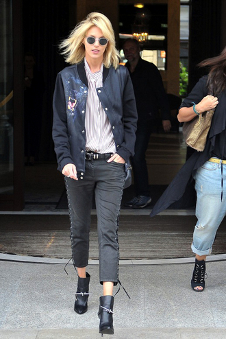 le fashion image blogger sunglasses jacket shirt jeans
