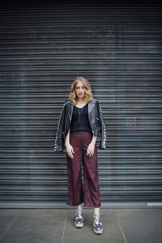 at fashion forte blogger jacket top pants jewels shoes black leather jacket metallic shoes spring outfits