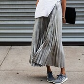 adidas,sneakers,adidas shoes,shoes,skirt,grey,black,white,plaid skirt,long skirt,flowy,skater skirt,classy,clothes,outfit,indie,indie boho,metallic skirt,midi skirt,silver,silver skirt,pleated skirt,metallic,metallic pleated skirt,stella wants to die,blogger