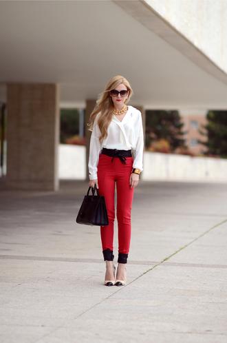 oh my vogue blogger blouse bag belt jewels red gold leather bag
