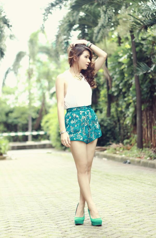brown platform shorts jewels shoes