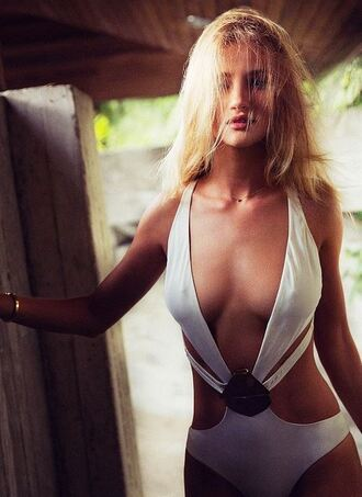 swimwear one piece swimsuit rosie huntington-whiteley summer outfits