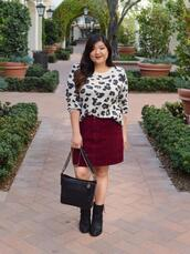 curvy girl chic - plus size fashion and style blog,blogger,shoes,sweater,skirt,ankle boots,fall outfits,burgundy skirt