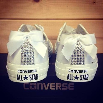shoes converse retro noeud sparkle white bling bow pretty allstars jewels i guess idk ribbon diamonds bows crystal