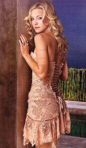 dress,roberto cavalli,kate hudson,corset,lace,flowers,nude beige color