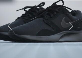 shoes nike black black nike run sneakers nike shoes black shoes black nike shoes running shoes nike air nike sneakers