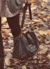 bag,leather,shoulder bag